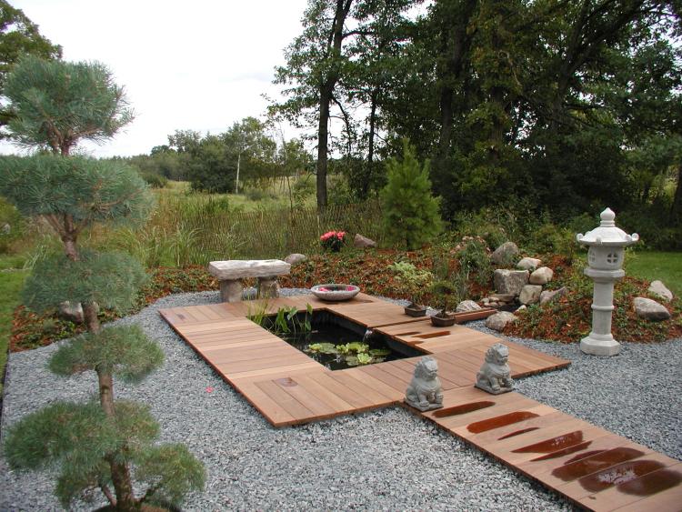 Modern japanese water garden gallery for Japanese water garden